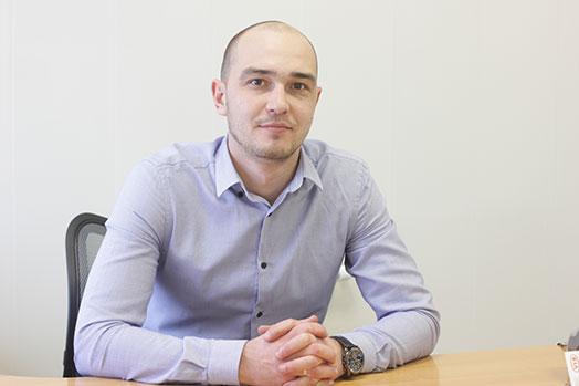 Менеджер Никита Крапивин